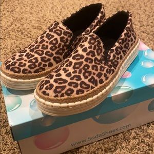 NEW WOMENS SODA SLIP ON SHOES (Cheetah)